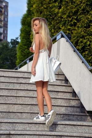 White strap backless with lace dress