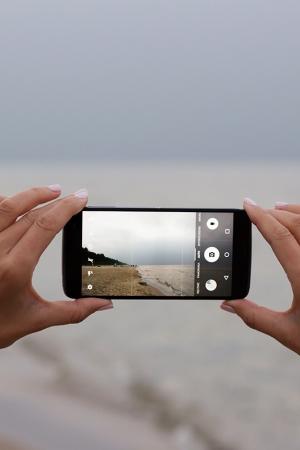 Narzędzia niezbędne w pracy blogerki – test telefonu Alcatel Idol 4s